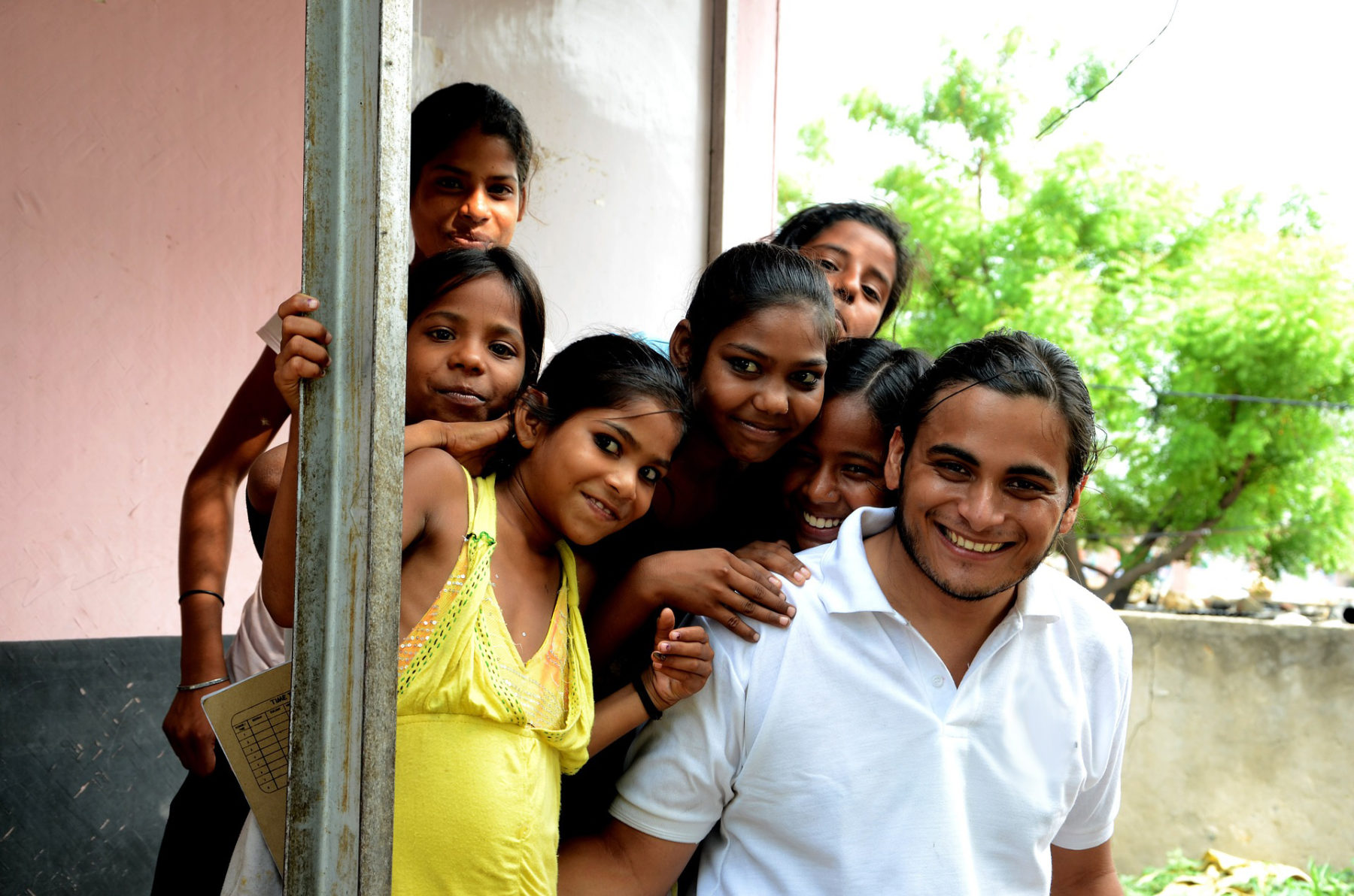 Volontariat international humanitaire